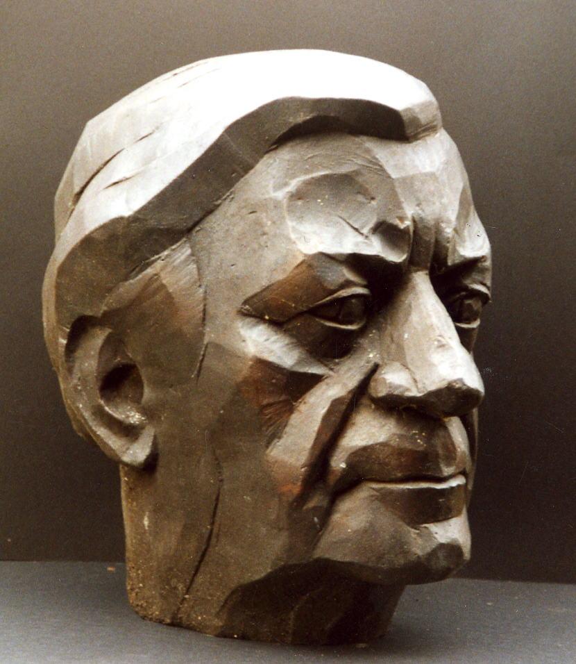 Helmut Schmidt; 1997, Bronze, Höhe 32 cm